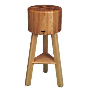 Pilón-de-encina-redondo-con-patas-de-madera